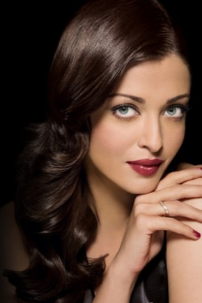 Макіяж для темного волосся і блакитних очей