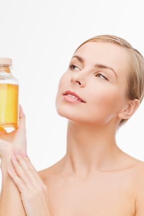 Очищення обличчя маслом