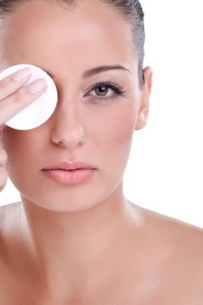 Міцелярна вода для проблемної шкіри