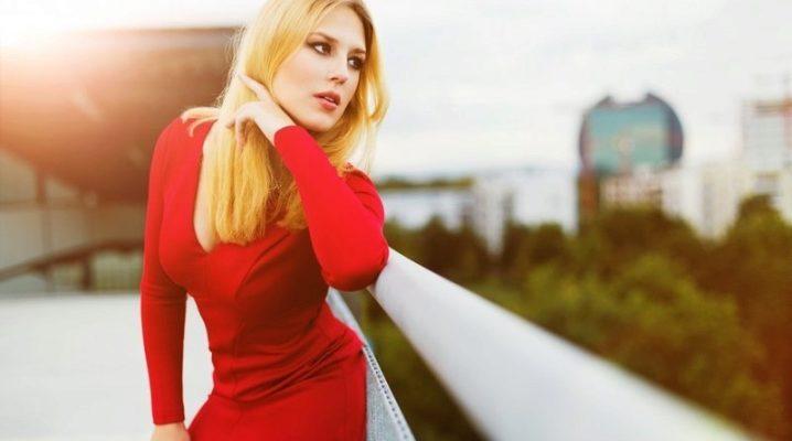 З чим носити плаття-футляр червоного кольору?