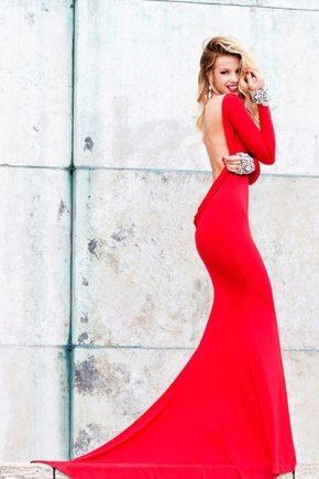 Вечірнє плаття з відкритою спиною – прихована сексуальність