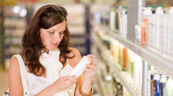 Як вибрати кращий шампунь для догляду за волоссям