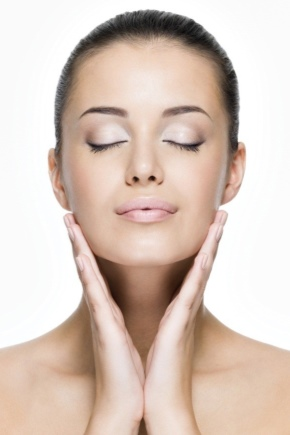 Маски для омолодження шкіри шиї та зони декольте