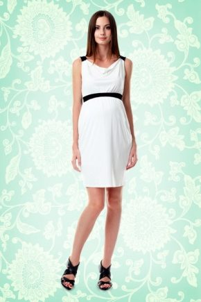 Стильне біле плаття для вагітних