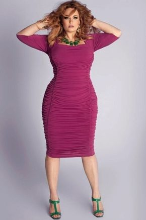 Плаття-футляр для повних жінок