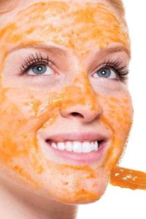 Морквяна маска для обличчя