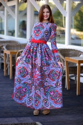 Сукні в російській стилі – створіть яскравий образ!