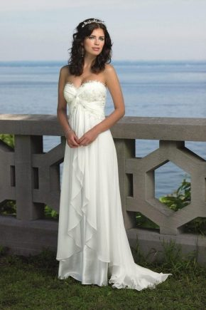 Легкі весільні сукні – простота і безпосередність