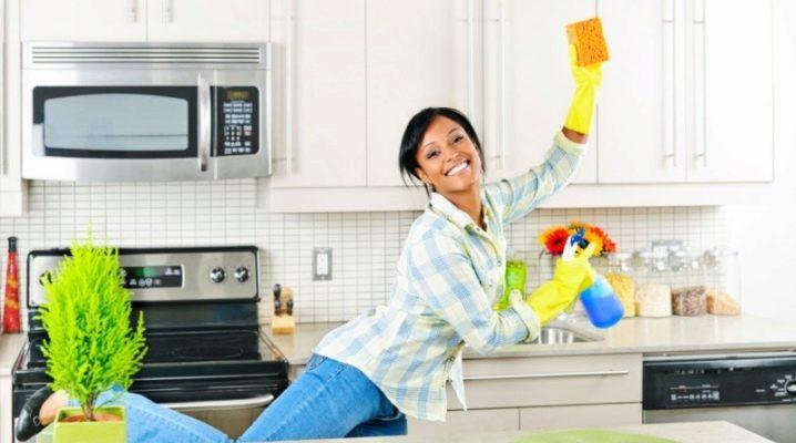 Відмиваємо кахель на кухні від жиру