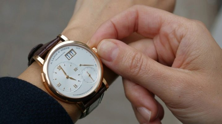 Правила етикету для чоловіків: на якій руці носити годинник