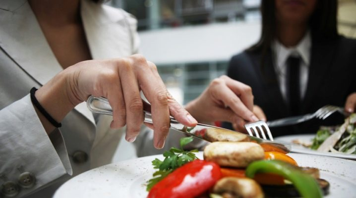 Правила етикету за столом: призначення столових приладів