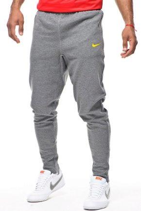 Спортивні чоловічі штани Nike